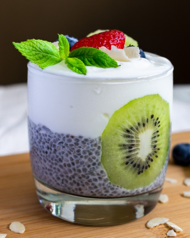 Food Photography Portfolio at ildiva.com - Chia Pudding with Fruit and Yogurt