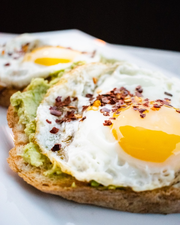 Food Photography Portfolio at ildiva.com - Avocado- Egg Toast with Chili on top